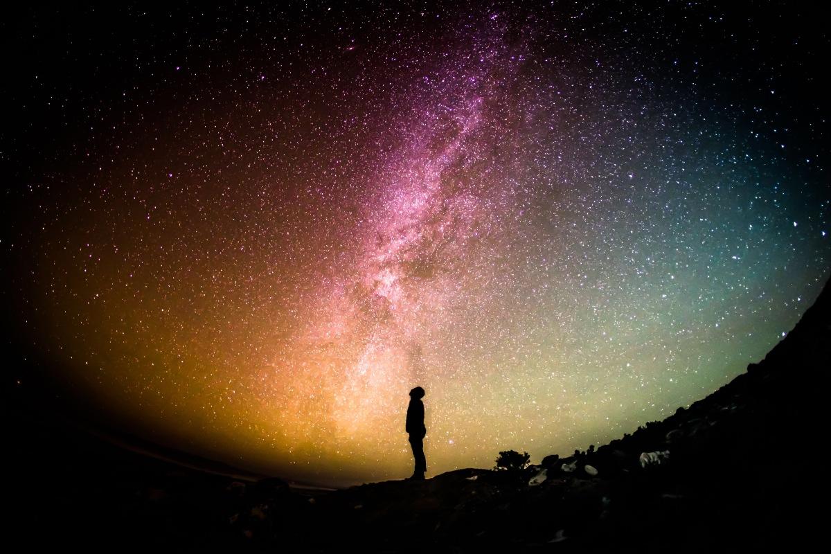 在宇宙的邊緣會看見什麼?
